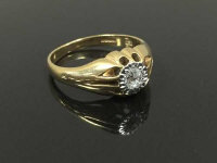 A 9ct gold Gentleman's single stone diamond ring, size T.