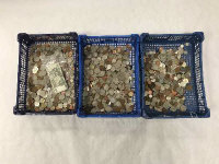 A large collection of coins, mostly twentieth century, examples of half crowns, one shilling, one florin, continental coins, bank notes etc. (Q)