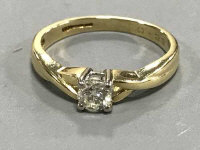 18ct solitaire diamond ring, approximately  .23ct. 3.1 grams