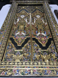An impressive and fine 19th century Chinese gilded and polychrome double panelled door window frame, 130 cm x 206 cm.