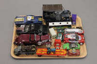 A tray of die-cast vehicles and model cars including Maisto Dodge Challenger etc. (Q)