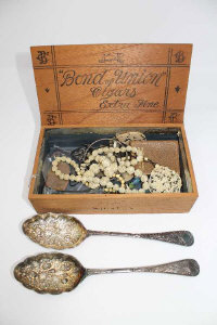 A pair of Victorian silver plated berry spoons, together with Victorian ivory necklace and pendant, etc