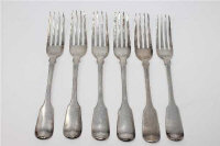 A Harlequin set of six Fiddle pattern silver table forks, William Eley & William Fearn, London 1822, with a single example by Chawner & Co, London 1845, all engraved with a crest, 417g gross. (6)