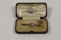 A late Victorian diamond cluster bar brooch.