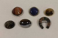 A Ruskin circular blue cabochon brooch, together with five various agate brooches. (6)