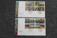 A quantity of Royal Mail commemorative stamp covers. (Q)