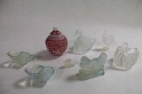 A Chinese overlay glass jar, together with five Sabino glass animal figures and two glass swan ornaments. (8)