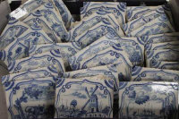 Thirty Delft blue and white tiles. (30)