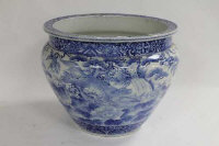 A Chinese blue and white jardiniere, diameter 41 cm.