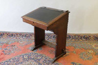 An early twentieth century mahogany clerk's desk, width 61 cm.