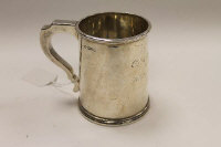 A silver tankard, Chester 1927, retailed by Reid and Sons, Newcastle, 339g.
