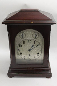 An early twentieth century German bracket clock, height 41 cm.