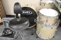 A Mapex five piece drum kit with stool. (6)