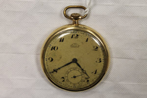A 14ct gold pocket watch.
