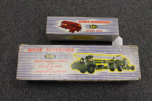 A Dinky Supertoys Horse Box 981, together with Missile Erector Vehicle 666, boxed. (2)