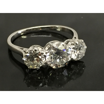 A three stone diamond ring, approximately 2ct